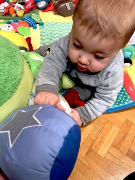 bébé-joue-poulpe-wesco